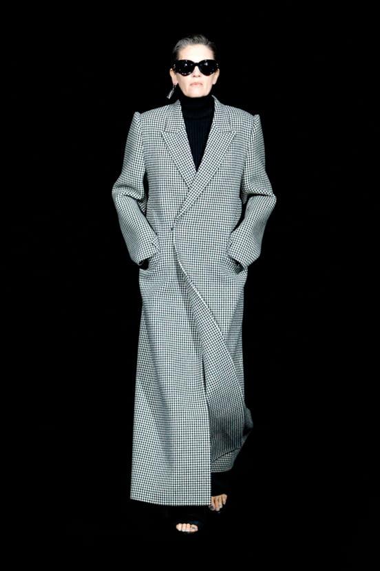 Balenciaga look 9 - FW19