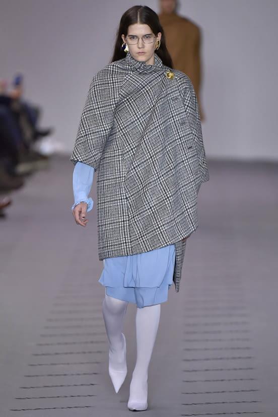 Balenciaga look 1 - F/W 17