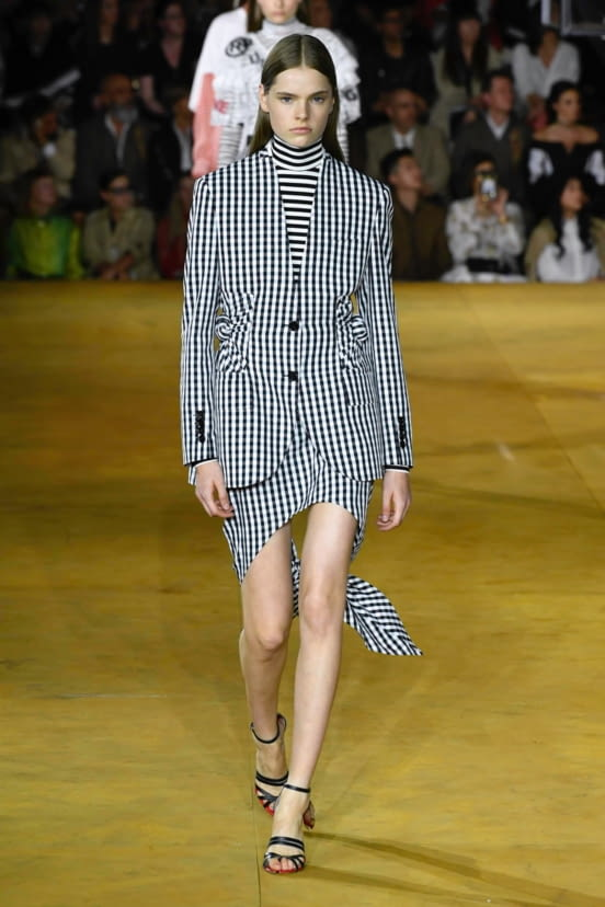 Burberry look 71 - SS20