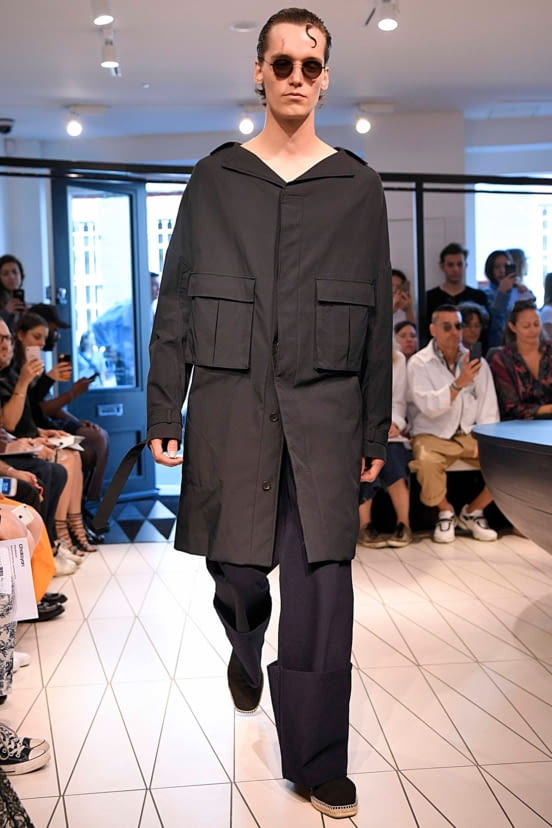 Chalayan look 1 - S/S19
