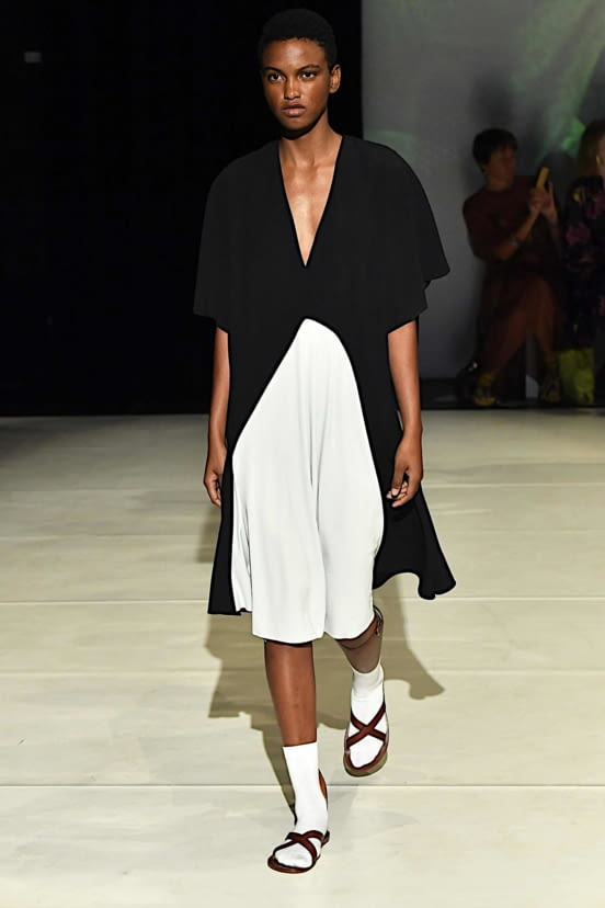 Chalayan look 32 - SS20