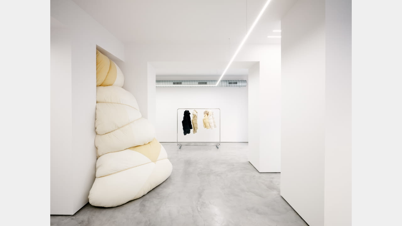 JIL SANDER LAUNCHES MILAN'S VIA SANT'ANDREA LOCATION AS AN INSTALLATION SPACE illustration 7