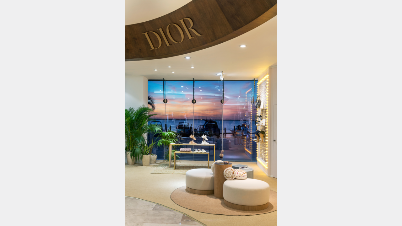 DIOR PRESENTS TWO POP-UP STORES IN MEXICO illustration 1