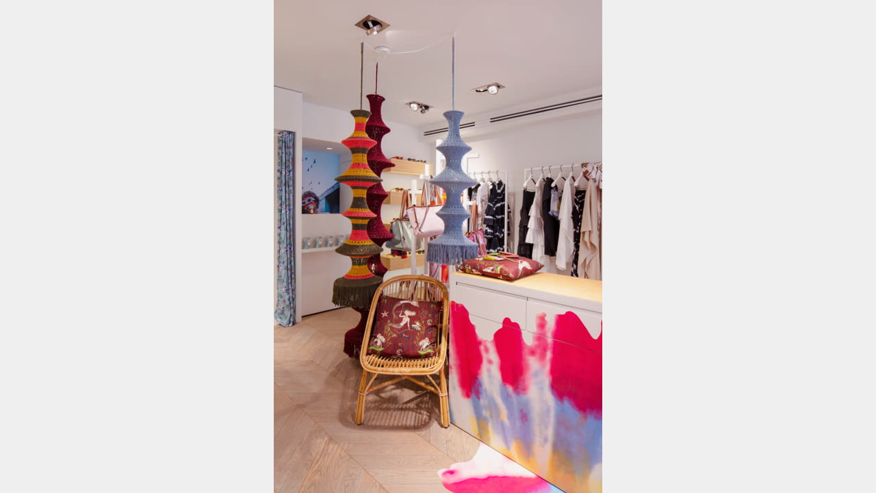 LOEWE OPENS SEASONAL STORES IN IBIZA AND ST. TROPEZ illustration 1