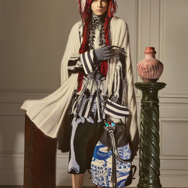 LOEWE PRESENTS A SEASONAL COLLECTION INSPIRED BY BRITISH CERAMICIST WILLIAM DE MORGAN (1839–1917)