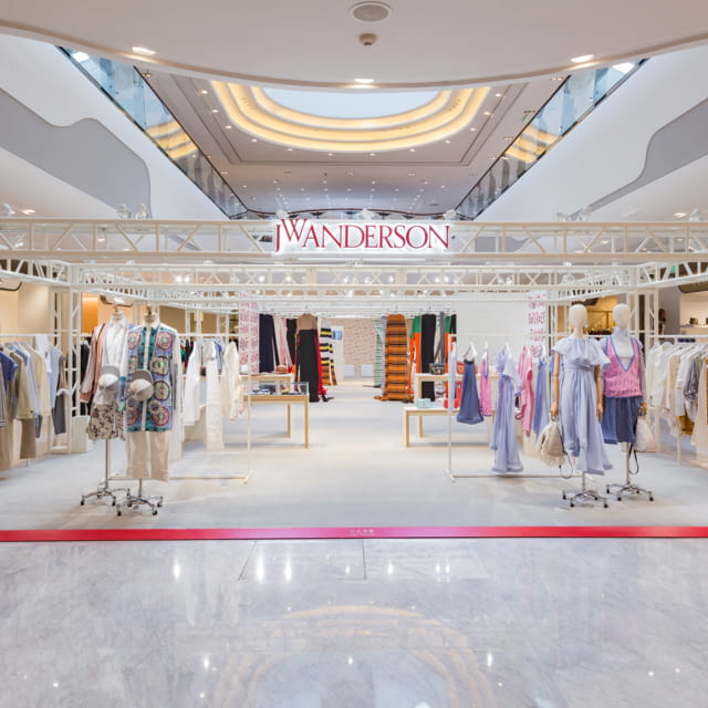 JW ANDERSON OPENS FIRST EXHIBITION AND POP-UP IN CHINA