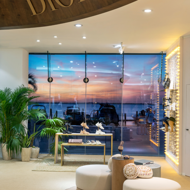 DIOR PRESENTS TWO POP-UP STORES IN MEXICO