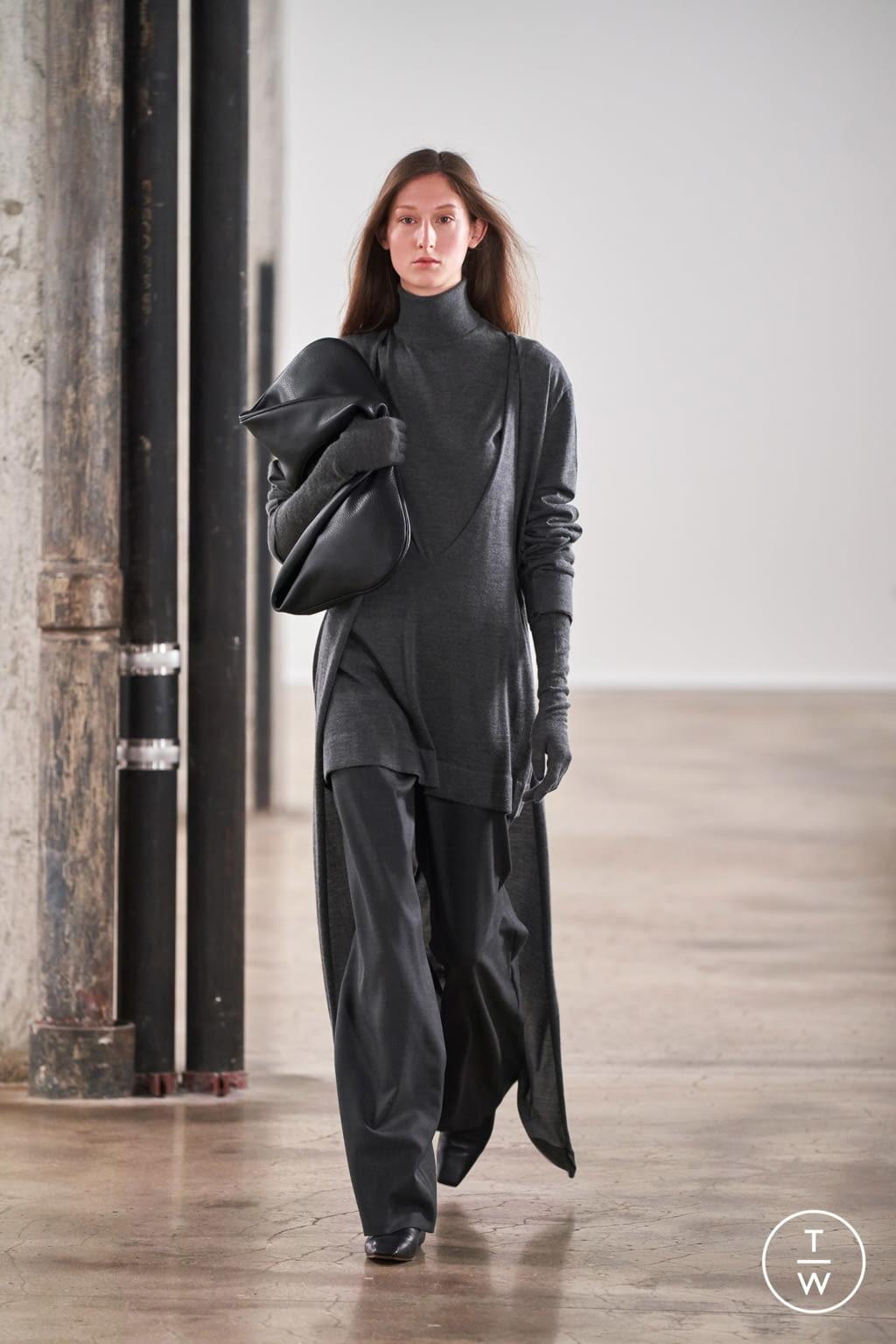 Fashion Week New York Fall/Winter 2020 look 13 de la collection The Row womenswear