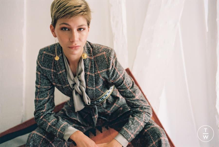 Fashion Week Paris Fall/Winter 2019 look 66 de la collection ELLA ZUBROWSKA womenswear accessories