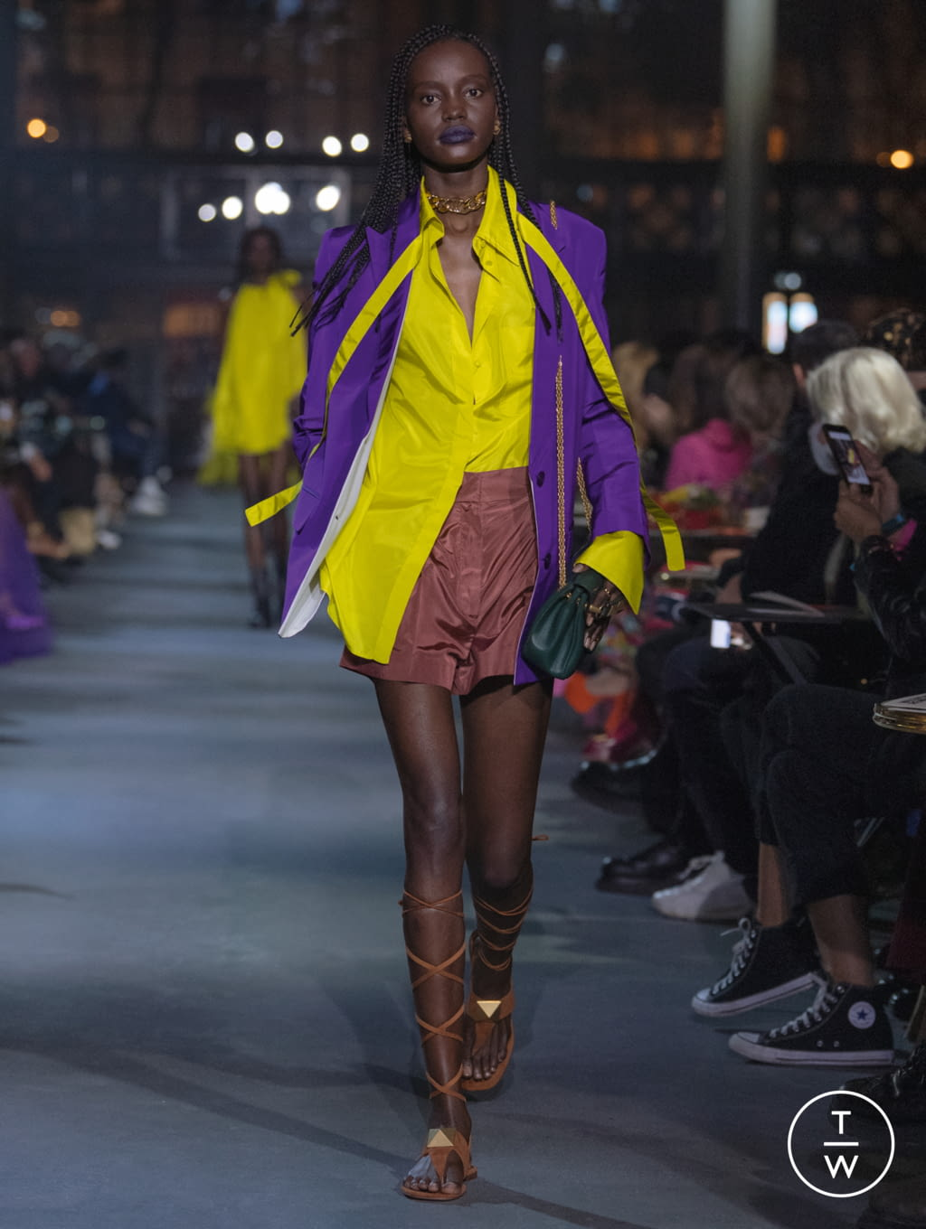 Fashion Week Paris Spring/Summer 2022 look 8 from the Valentino collection womenswear