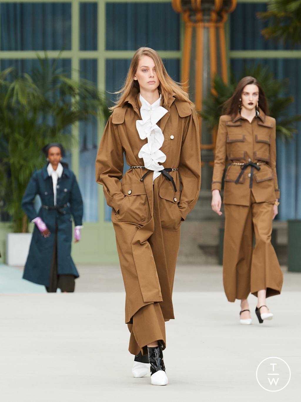 Fashion Week Paris Resort 2020 look 3 from the Chanel collection womenswear