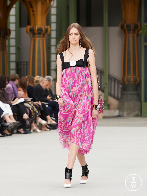 Fashion Week Paris Resort 2020 look 55 de la collection Chanel womenswear