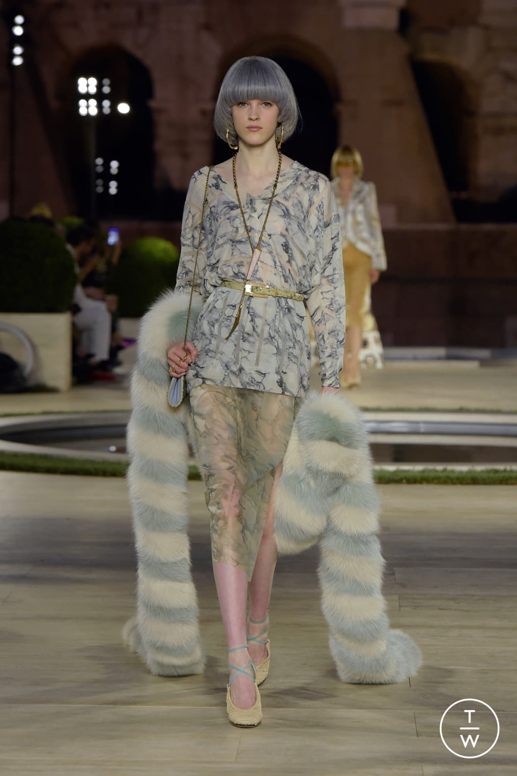 Fashion Week Milan Fall/Winter 2019 look 5 from the Fendi collection couture