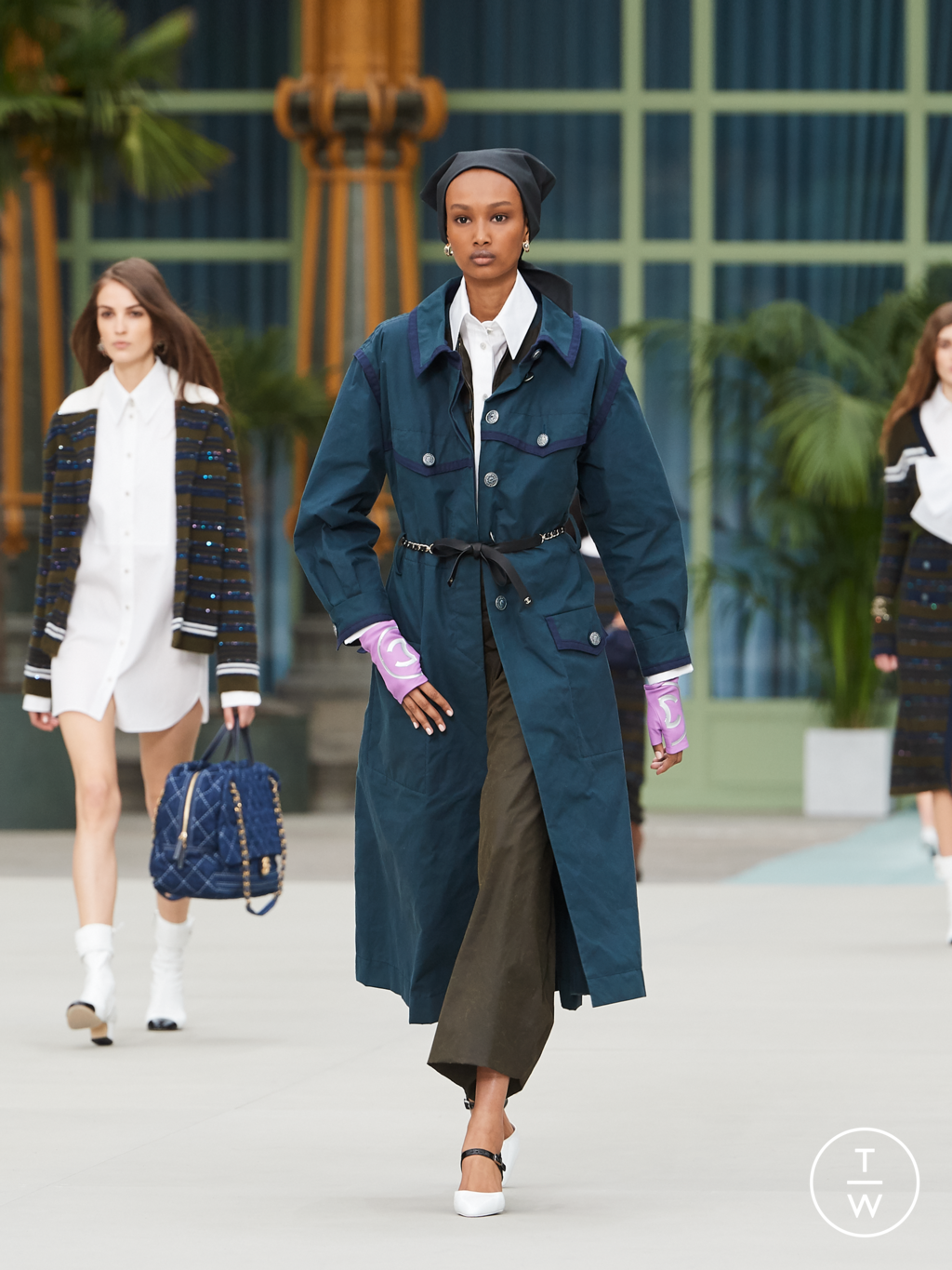 Fashion Week Paris Resort 2020 look 6 from the Chanel collection womenswear
