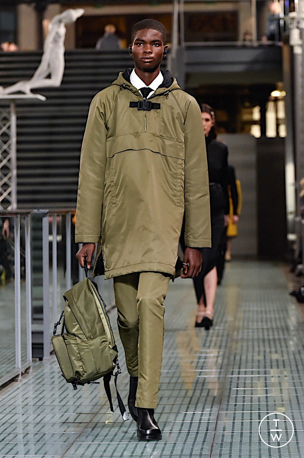 Fashion Week Paris Fall/Winter 2020 look 33 from the Alyx collection menswear