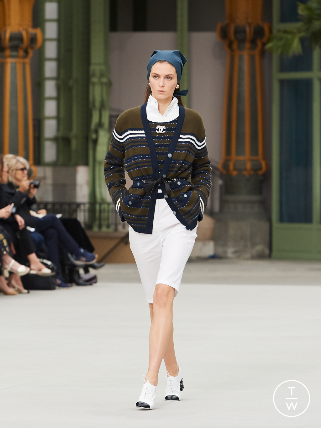 Fashion Week Paris Resort 2020 look 11 from the Chanel collection womenswear