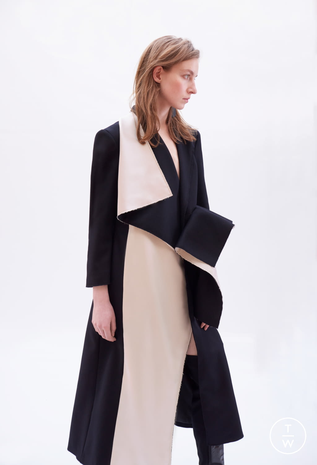 Fashion Week Paris Fall/Winter 2018 look 14 from the Patricia Padrón collection womenswear