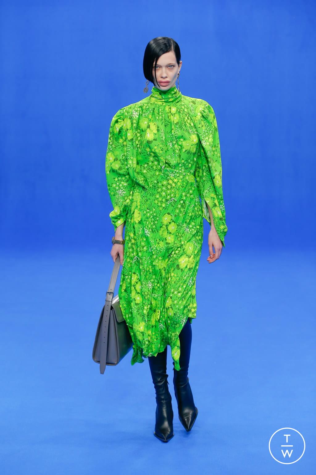 Fashion Week Paris Spring/Summer 2020 look 15 from the Balenciaga collection womenswear