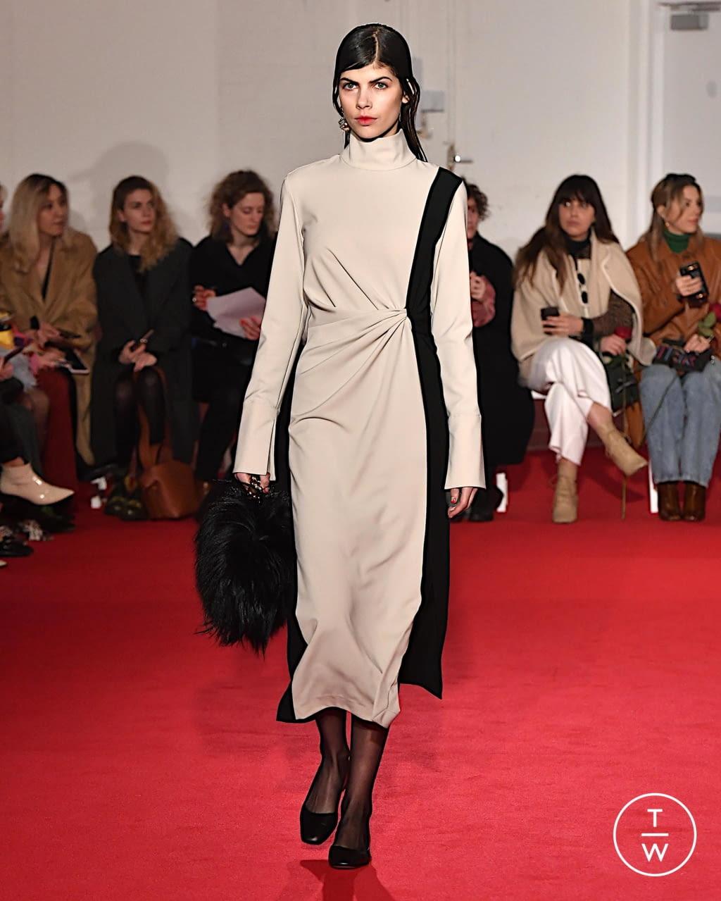 Fashion Week London Fall/Winter 2020 look 3 from the 16 Arlington collection womenswear