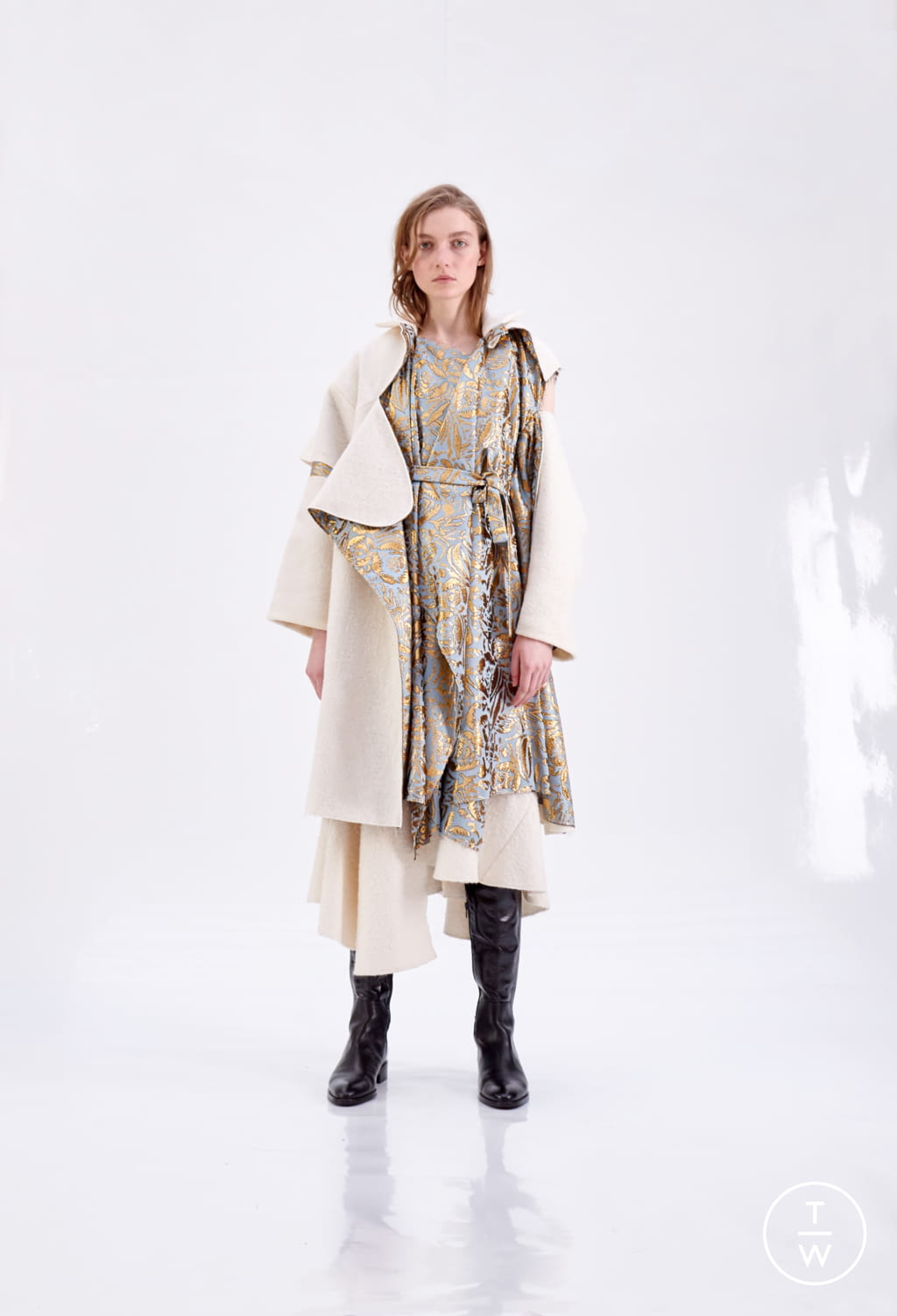 Fashion Week Paris Fall/Winter 2018 look 16 from the Patricia Padrón collection womenswear