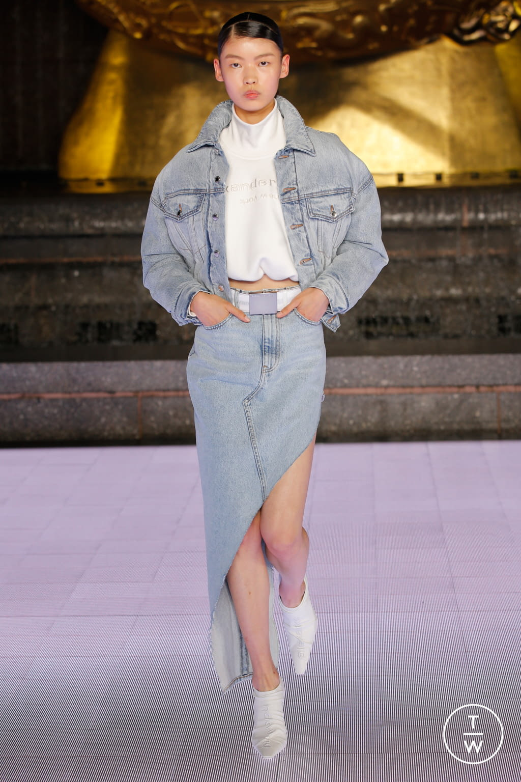 Fashion Week New York Spring/Summer 2020 look 17 from the Alexander Wang collection womenswear