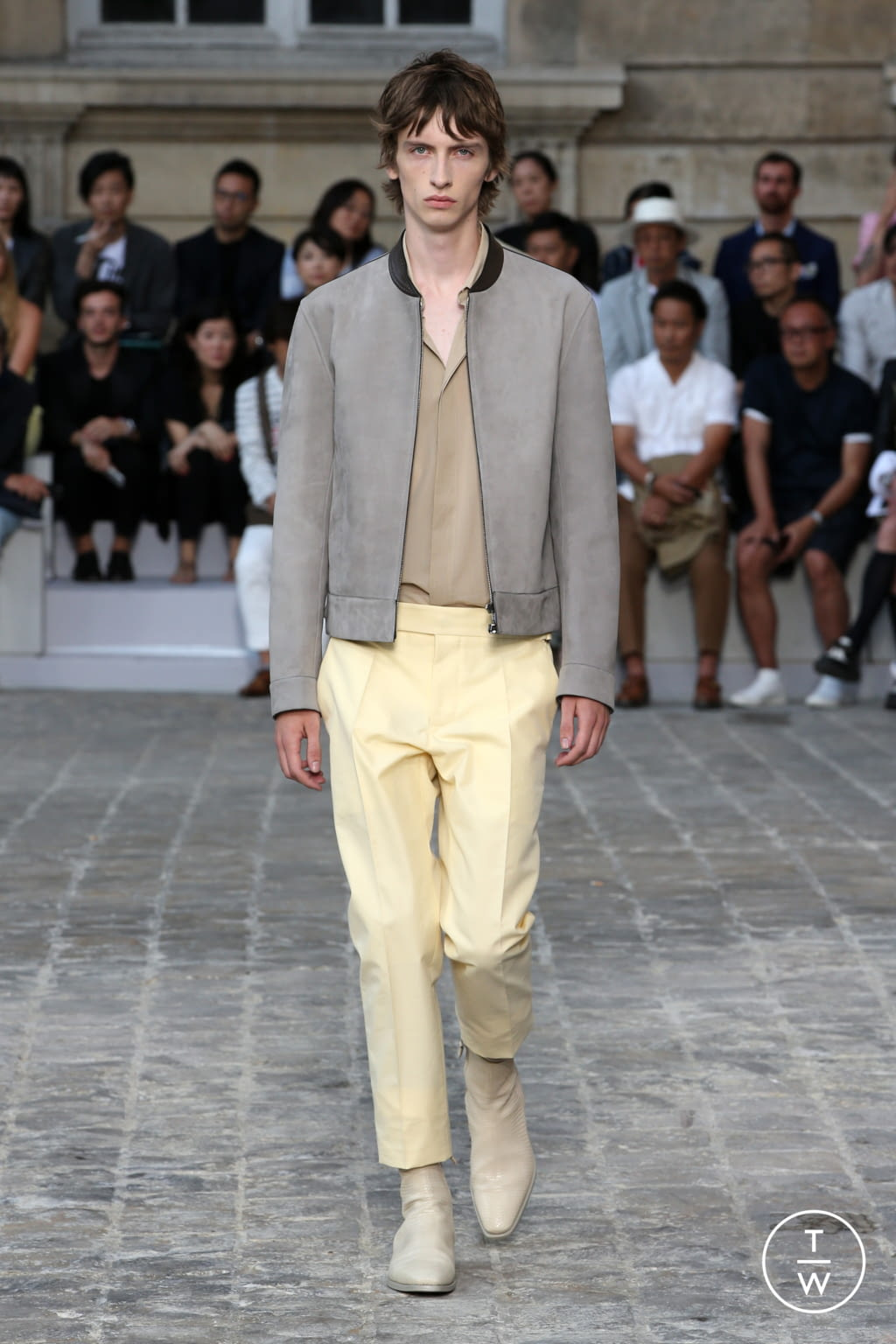 Fashion Week Paris Spring/Summer 2018 look 19 from the Berluti collection menswear
