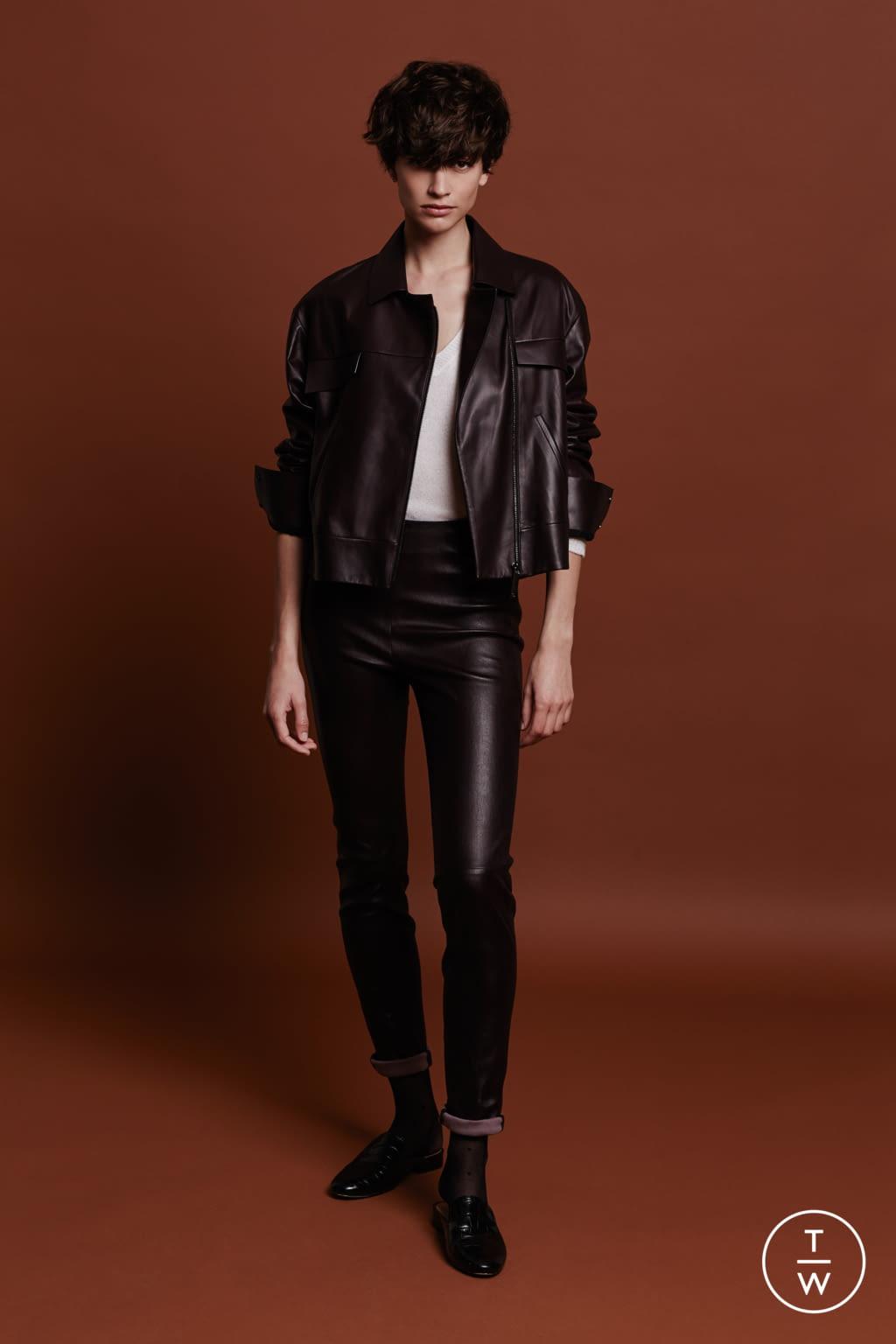 Fashion Week Paris Fall/Winter 2017 look 10 de la collection Maison Ullens womenswear