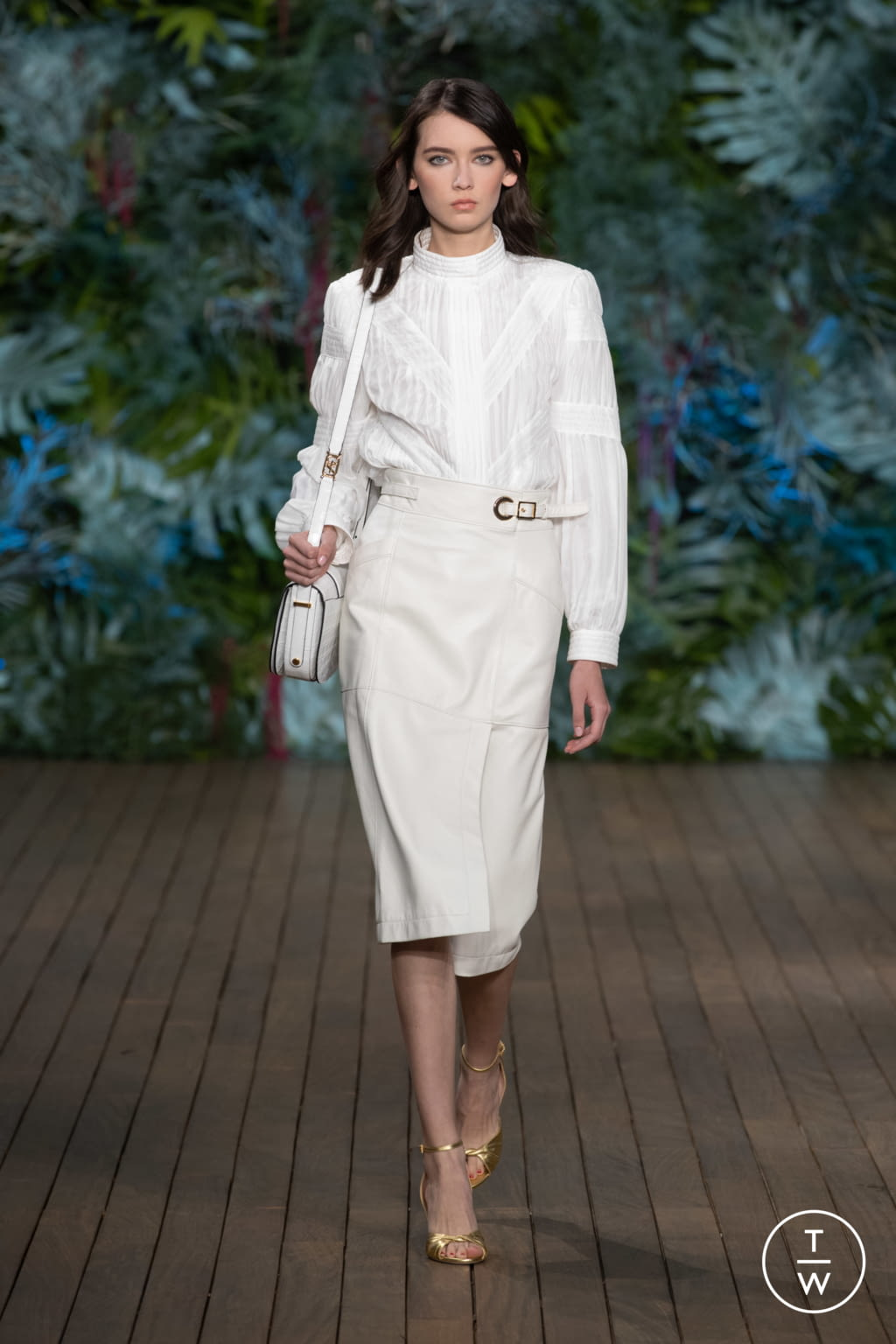Fashion Week Milan Resort 2020 look 21 from the Alberta Ferretti collection womenswear