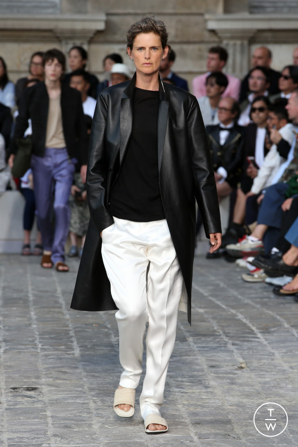 Fashion Week Paris Spring/Summer 2018 look 22 from the Berluti collection menswear