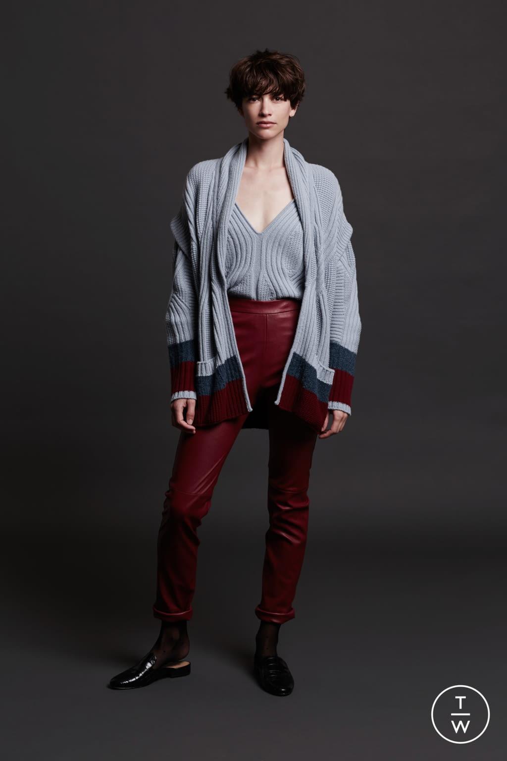 Fashion Week Paris Fall/Winter 2017 look 5 de la collection Maison Ullens womenswear