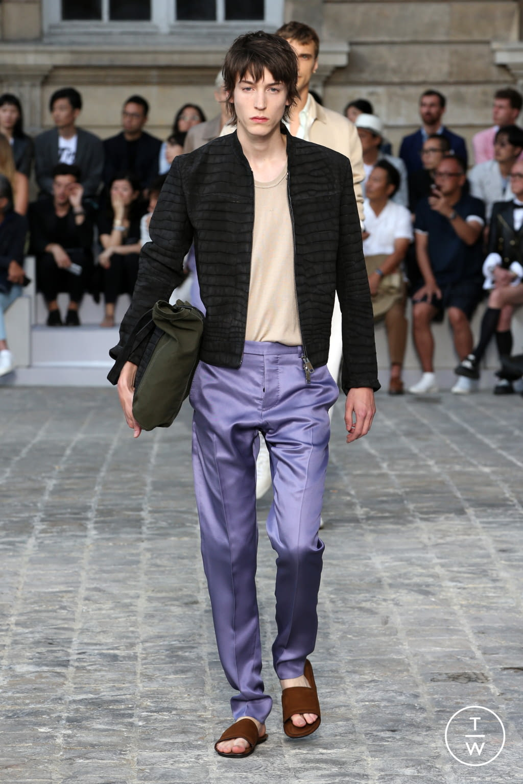 Fashion Week Paris Spring/Summer 2018 look 29 from the Berluti collection menswear