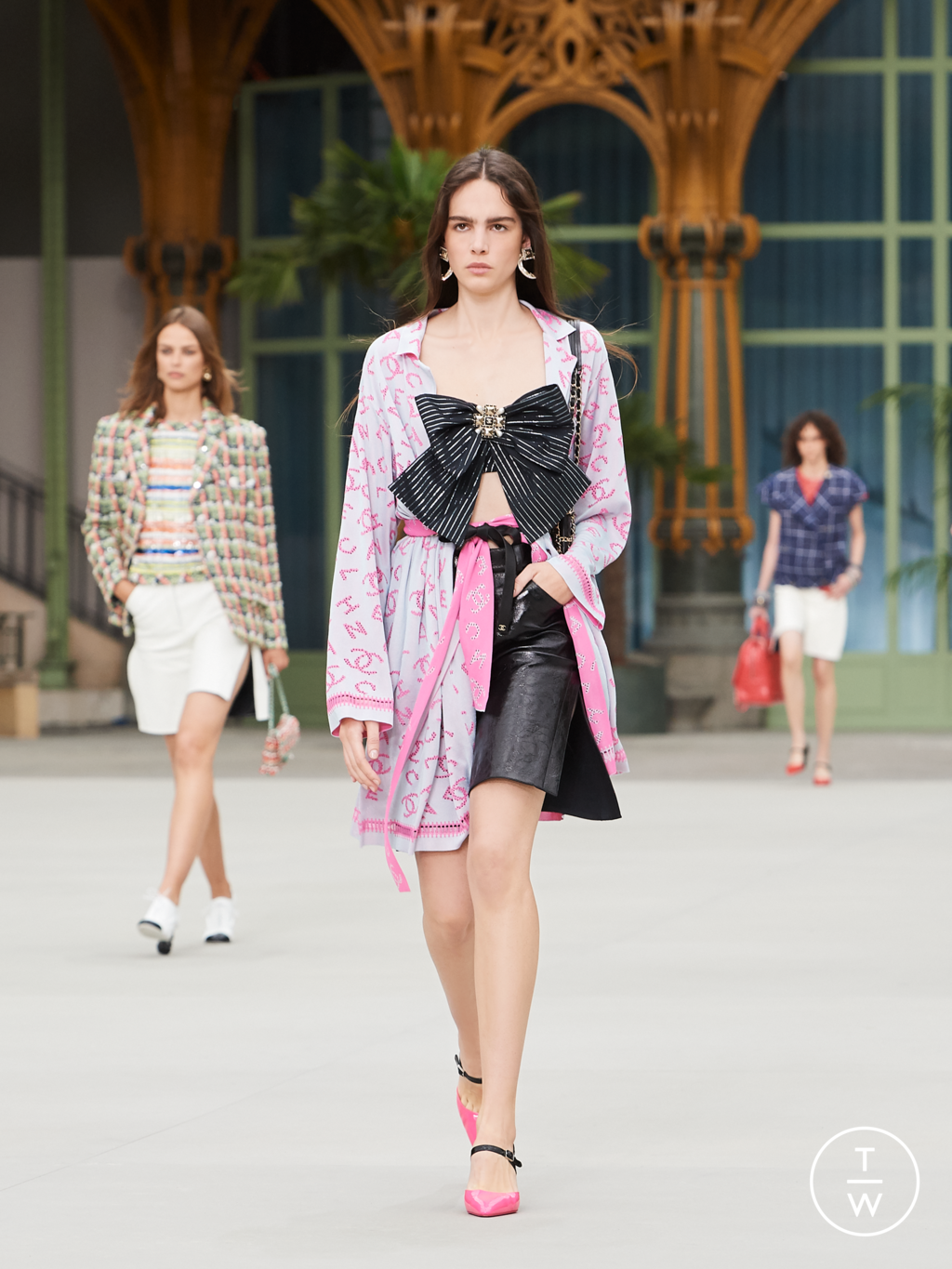 Fashion Week Paris Resort 2020 look 30 from the Chanel collection womenswear