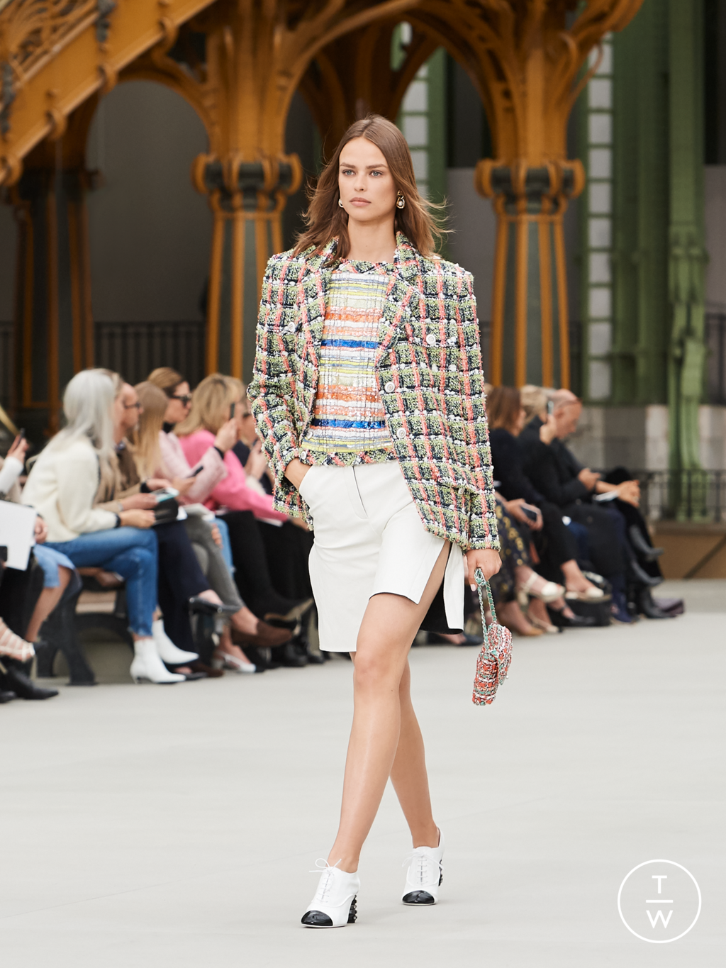 Fashion Week Paris Resort 2020 look 31 from the Chanel collection womenswear
