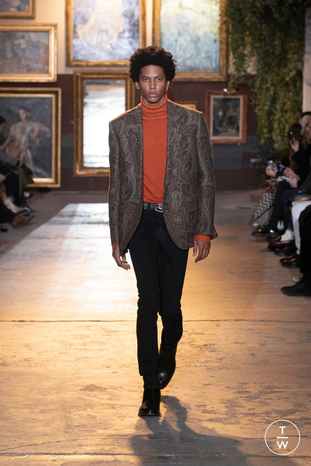 Fashion Week Milan Fall/Winter 2020 look 32 from the Etro collection menswear
