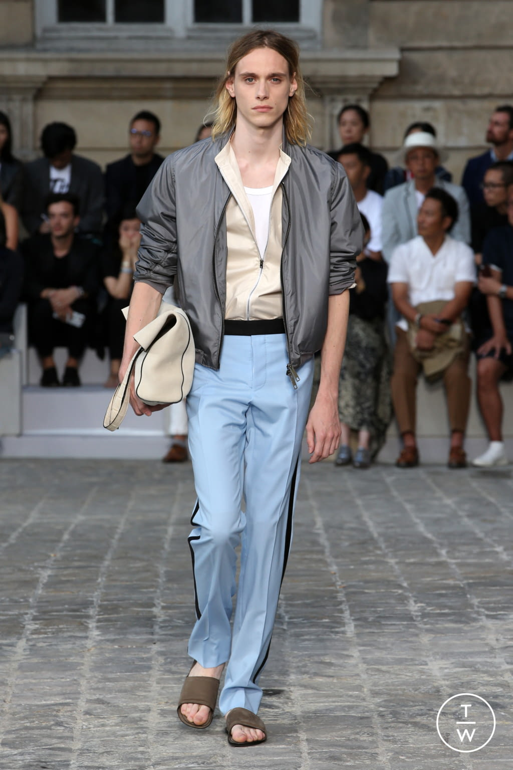 Fashion Week Paris Spring/Summer 2018 look 33 from the Berluti collection menswear