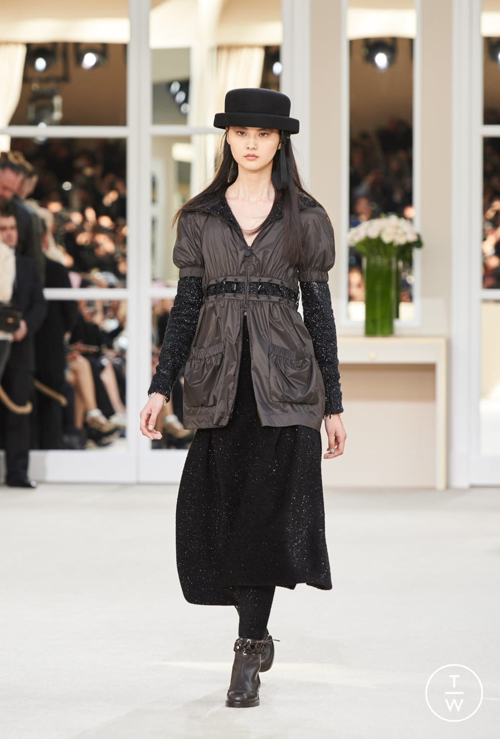Fashion Week Paris Fall/Winter 2016 look 33 from the Chanel collection womenswear