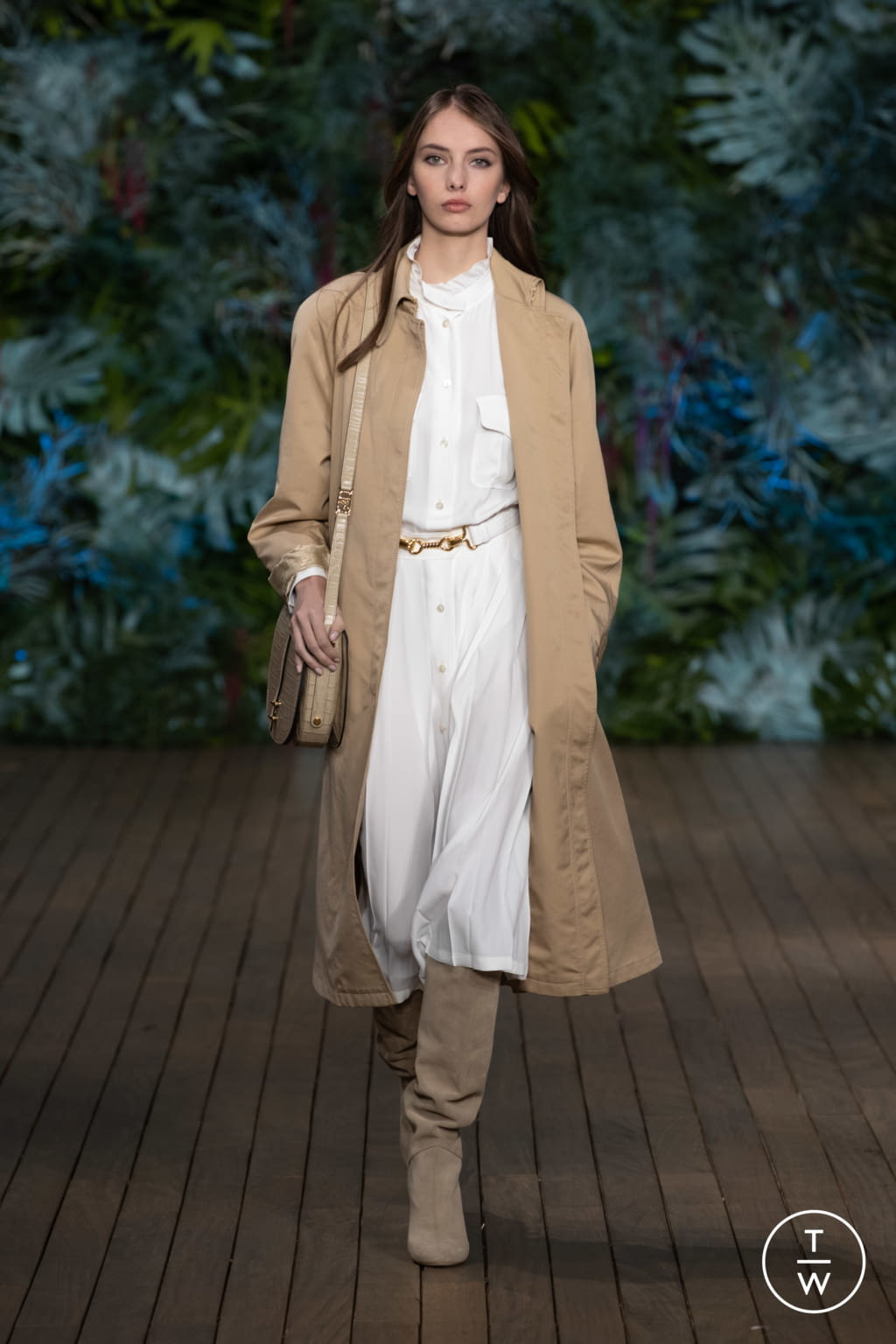 Fashion Week Milan Resort 2020 look 34 from the Alberta Ferretti collection womenswear