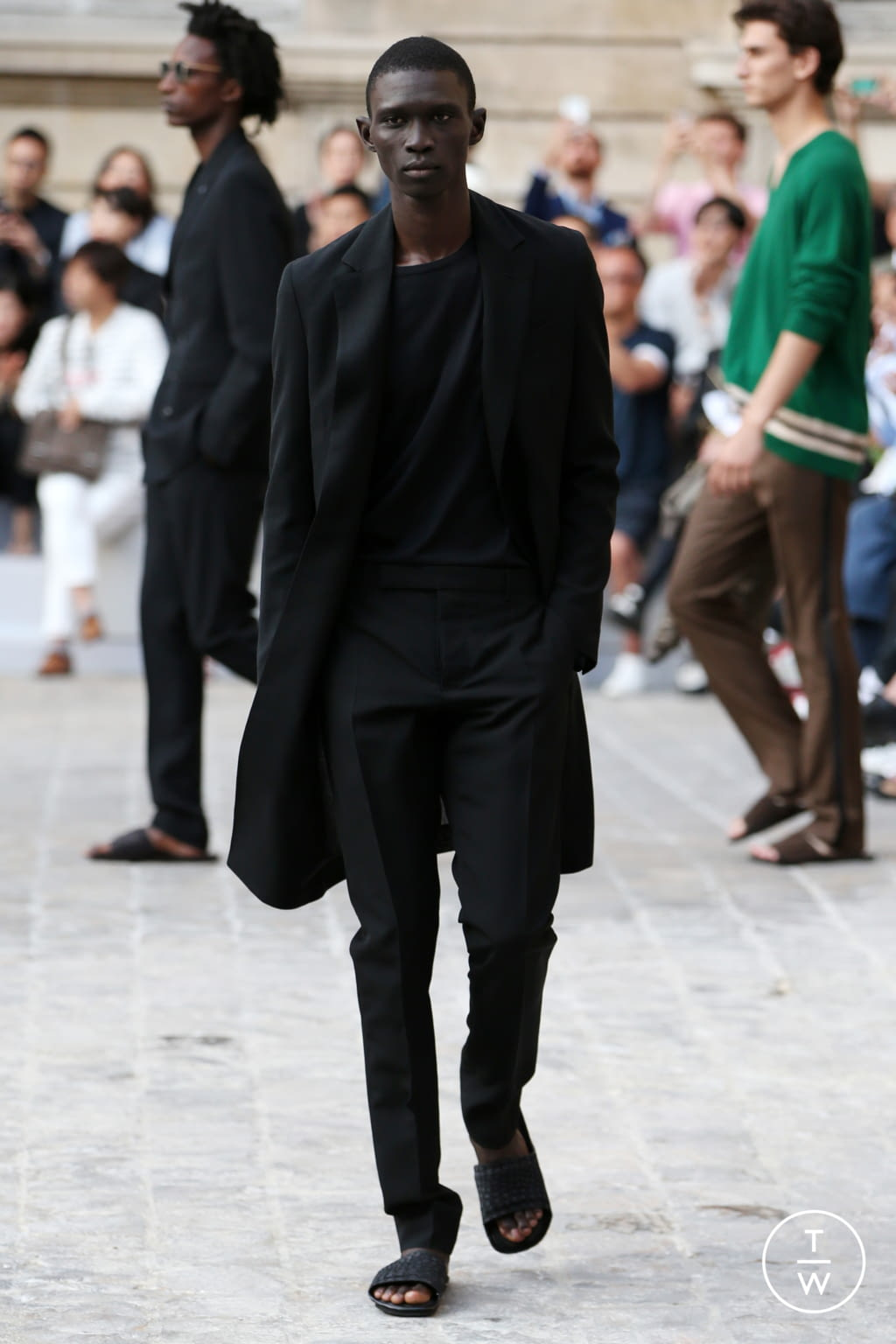 Fashion Week Paris Spring/Summer 2018 look 37 from the Berluti collection menswear