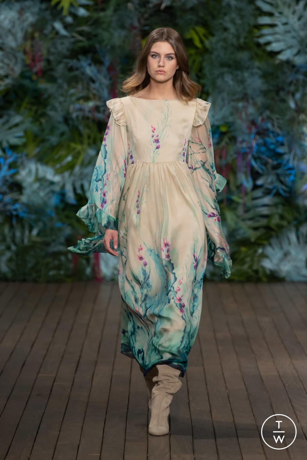 Fashion Week Milan Resort 2020 look 38 from the Alberta Ferretti collection womenswear