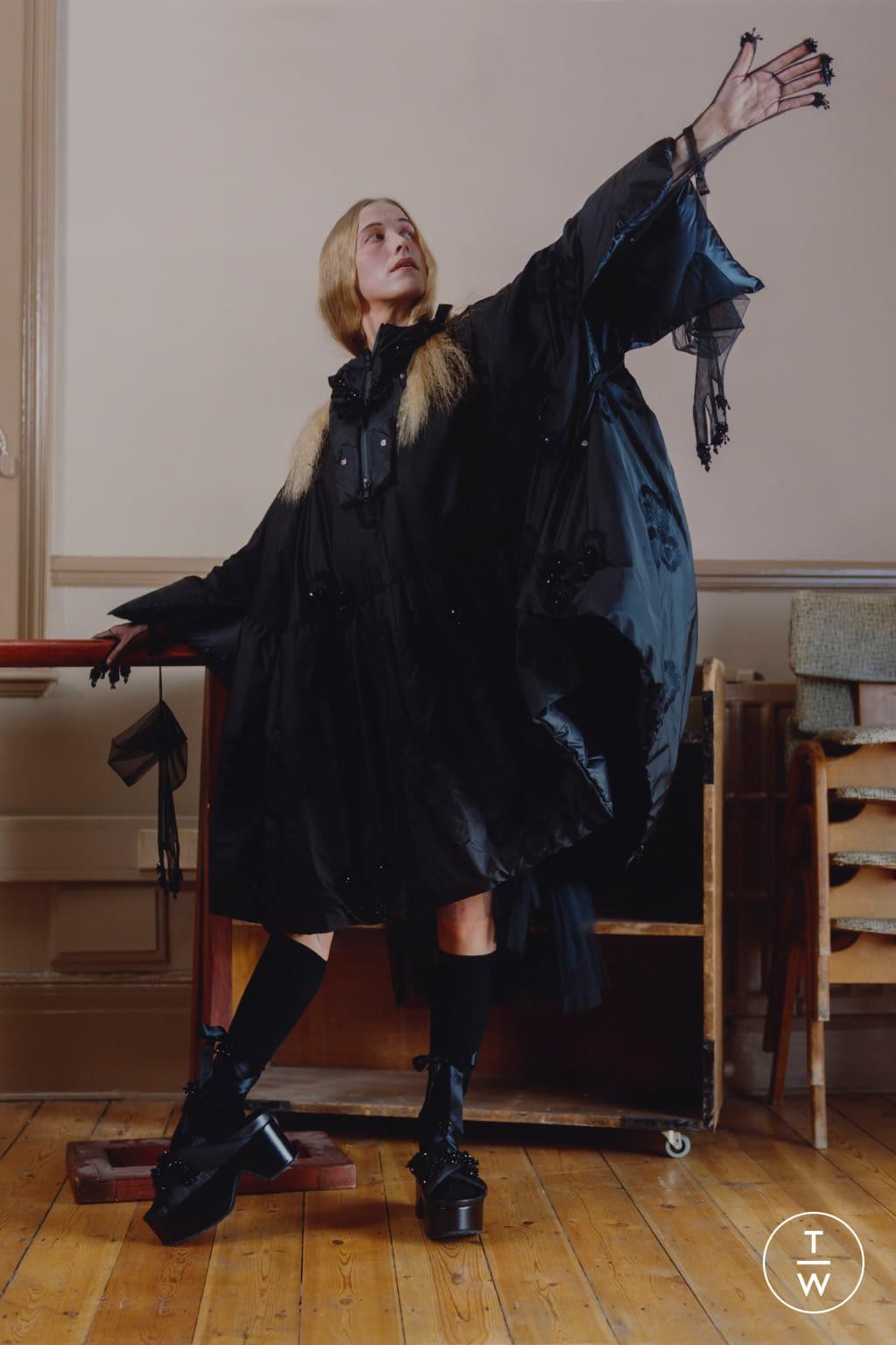 Fashion Week Milan Fall/Winter 2020 look 20 from the 4 Moncler Simone Rocha collection womenswear