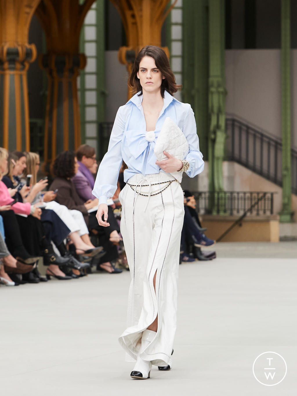 Fashion Week Paris Resort 2020 look 41 from the Chanel collection womenswear