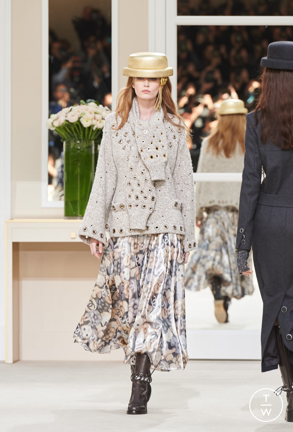 Fashion Week Paris Fall/Winter 2016 look 41 from the Chanel collection womenswear