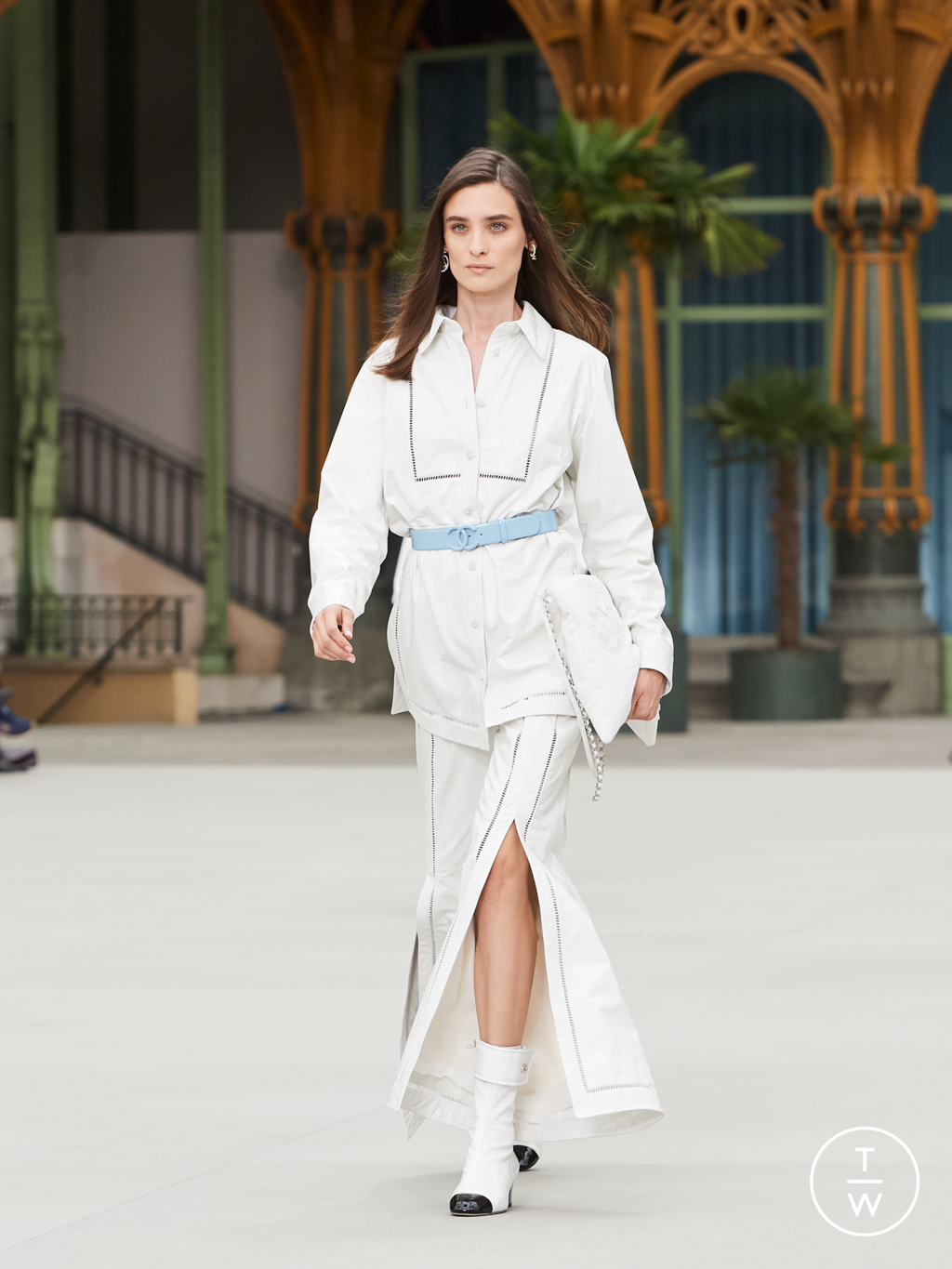 Fashion Week Paris Resort 2020 look 42 from the Chanel collection womenswear
