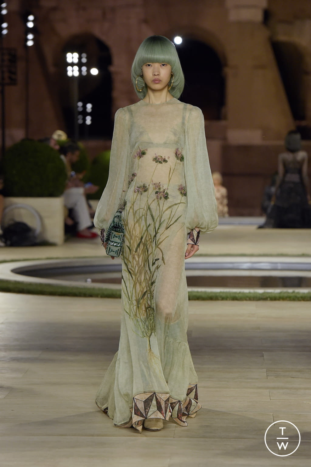 Fashion Week Milan Fall/Winter 2019 look 43 from the Fendi collection couture