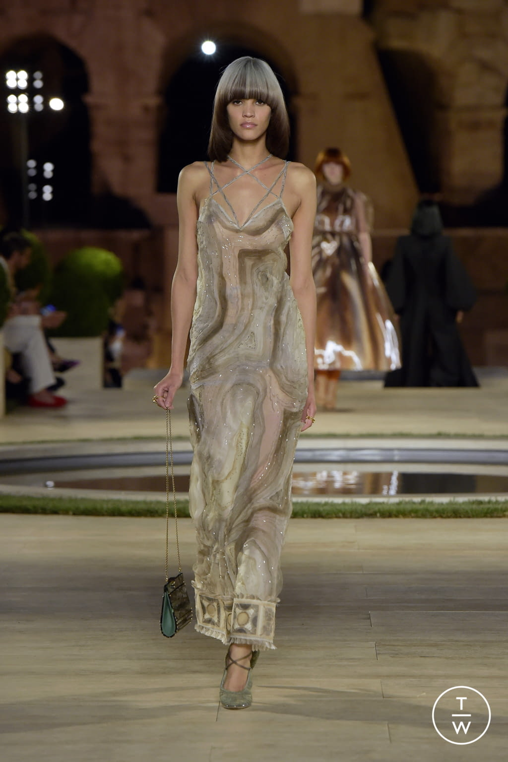 Fashion Week Milan Fall/Winter 2019 look 44 from the Fendi collection couture