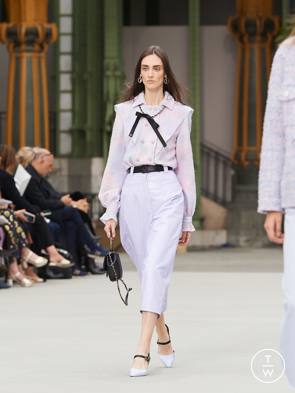 Fashion Week Paris Resort 2020 look 45 from the Chanel collection womenswear