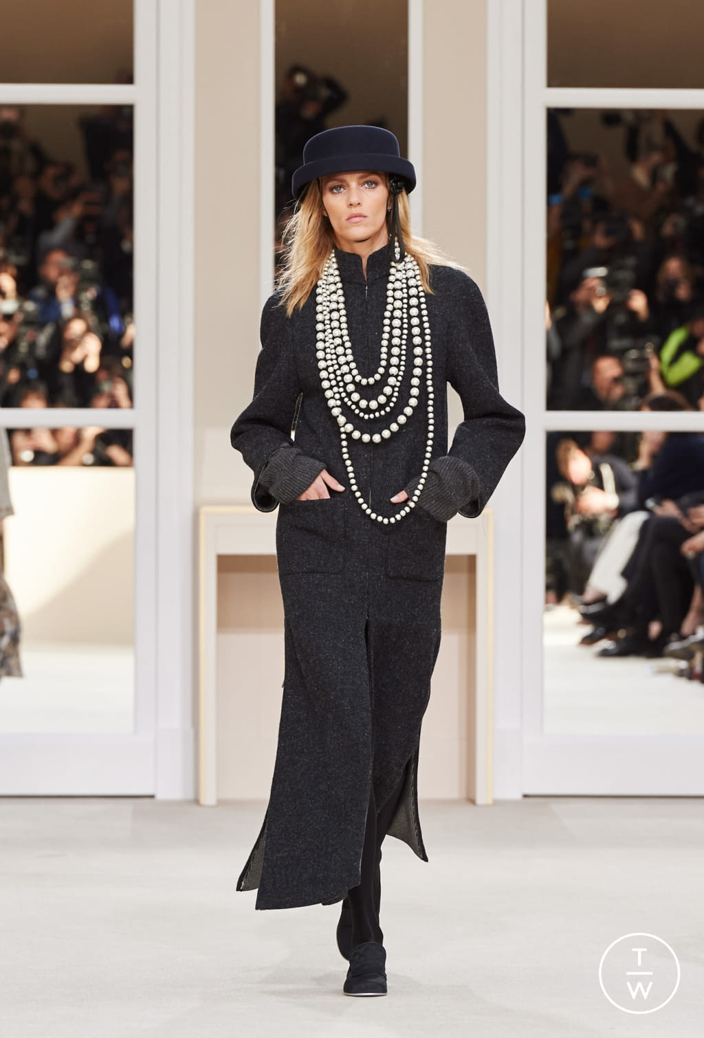 Fashion Week Paris Fall/Winter 2016 look 46 from the Chanel collection womenswear