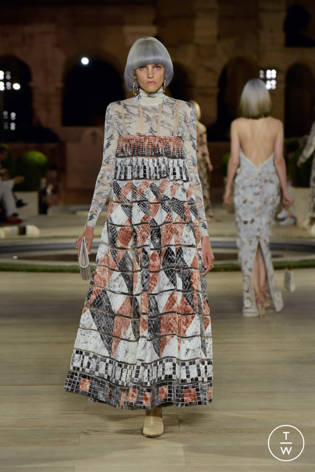 Fashion Week Milan Fall/Winter 2019 look 49 from the Fendi collection couture