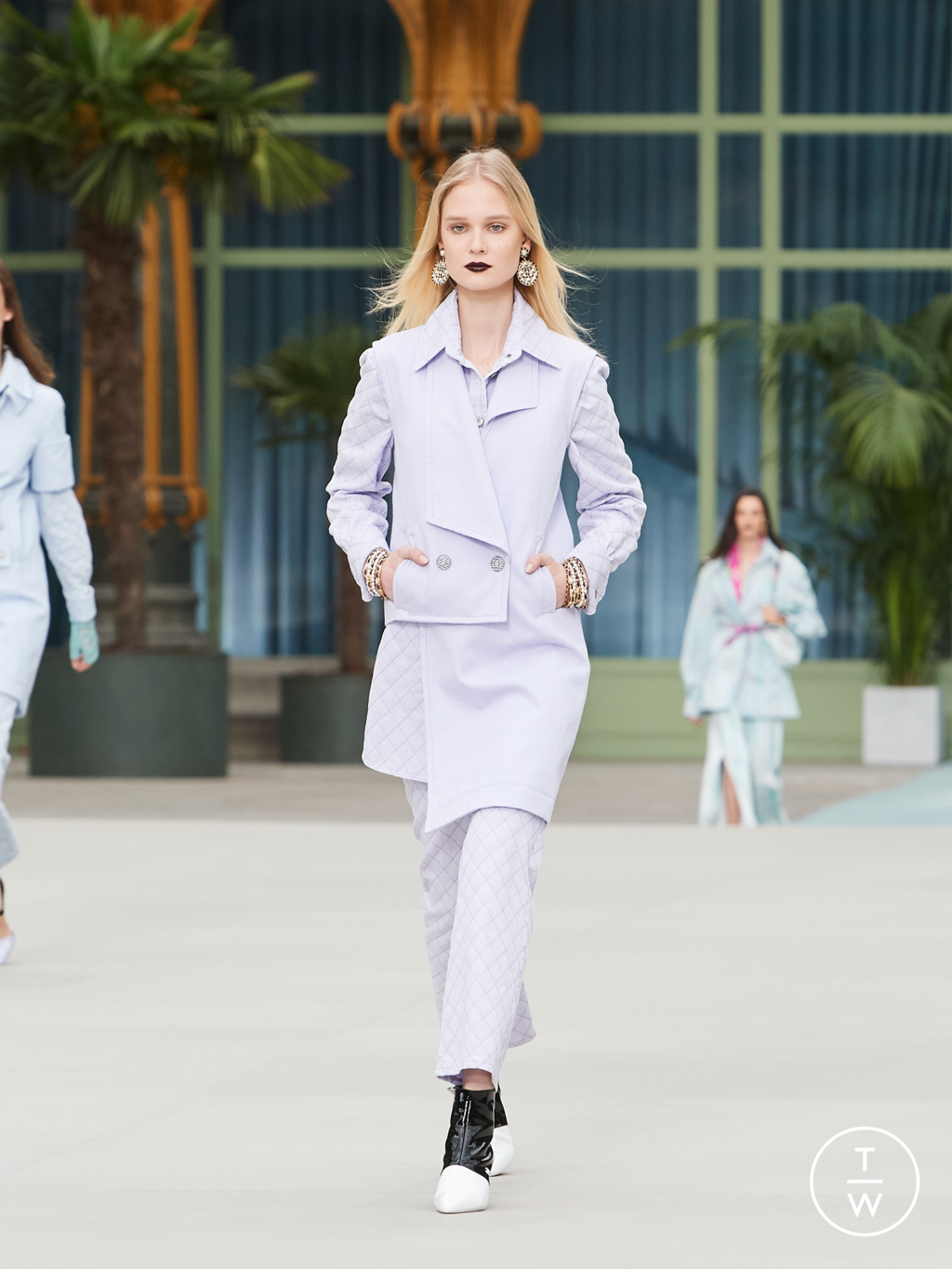 Fashion Week Paris Resort 2020 look 50 from the Chanel collection womenswear