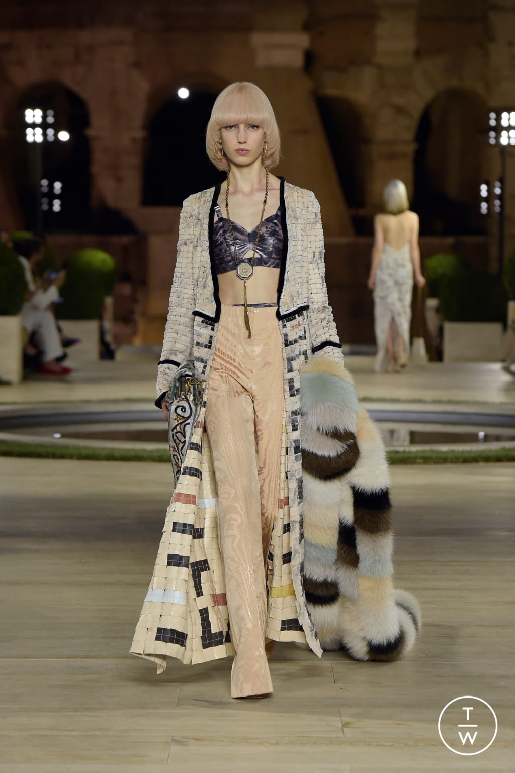 Fashion Week Milan Fall/Winter 2019 look 50 from the Fendi collection couture